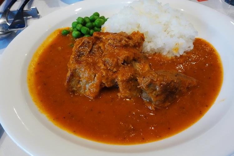 ポークご飯はナイフいらずのやわらかさ 「ドーカン」(東京・半蔵門)