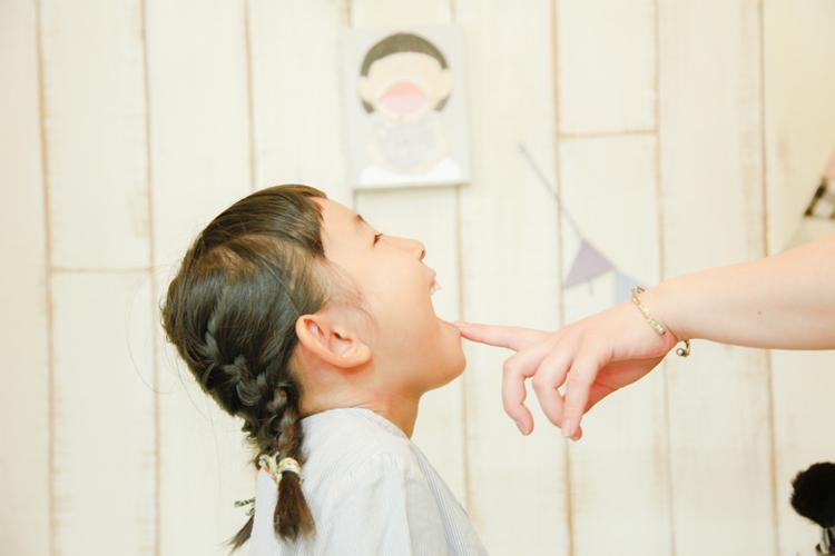 生えかわる乳歯を絵として飾るプロダクト「milktooth world」