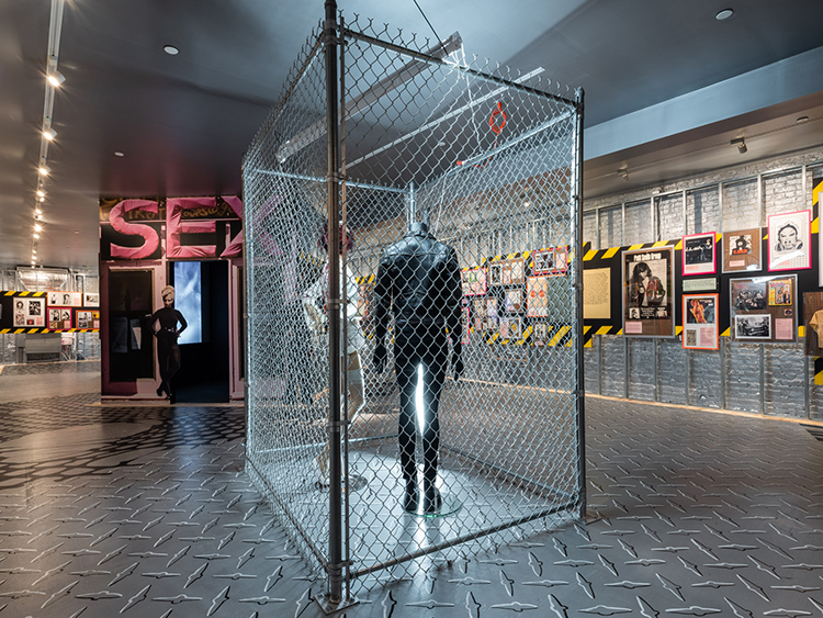 展示スペースは広くはないが、内装や展示方法に独自のこだわりを感じる。 courtesy of Museum of Sex