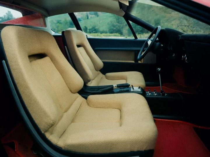 フェラーリ365GT4/BBのシート