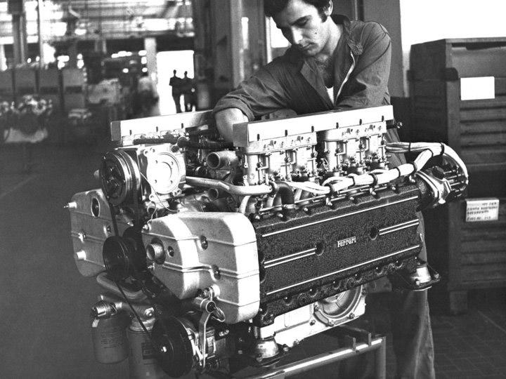 フェラーリ365GT4/BBのエンジン