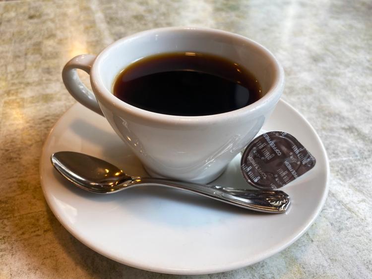 プラス250円でセットになるブレンドコーヒー。すっきりとしていて飲みやすい