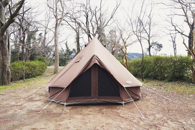 【冬キャンプのすすめvol.1】薪ストーブにたき火台、寒い時期ならではの道具を楽しむ