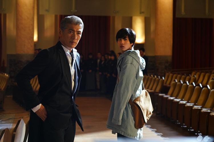吉川晃司「変わらないでいるほうがきっと難しい。だからこそ『変わってたまるか』と思う」 見得を切り続けた摩擦の多い人生