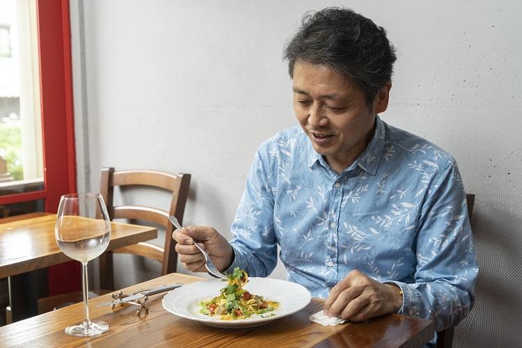 30歳で突然ひらめきイタリアンのシェフに 素材を生かしためくるめく「自己流」料理