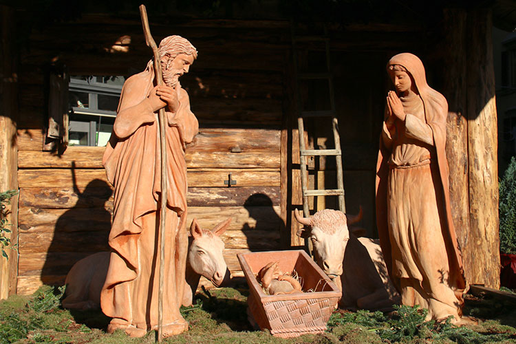 村民総出の生誕劇も イタリア式クリスマスの風物詩「プレゼペ」