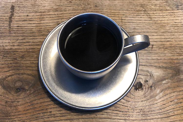 コーヒーの焙煎(ばいせん)をしている友人が、カレーに合う豆をセレクト