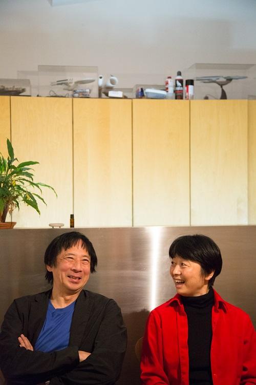 """「ハウスではなくホームが必要」 手塚貴晴+手塚由比、""""壁のない家""""を作り続ける2人"""