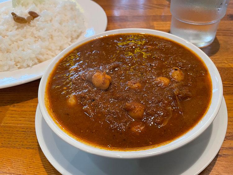 ヒヨコ豆を使った「チャナ・ダール」は辛さ控えめのマイルドを注文