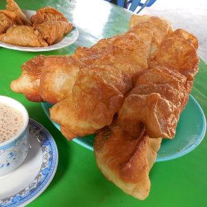 朝食の定番揚げパンに挑戦 家でつくるアジア旅の味・油条編
