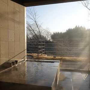 温泉+モダン建築 由布岳を望む森のヴィラ 由布院「山荘わらび野」