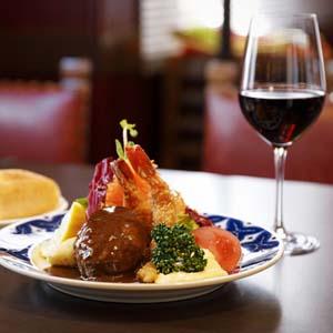大人も子どもも夢中のハンバーグ 地元に愛される洋食店「浅井食堂」
