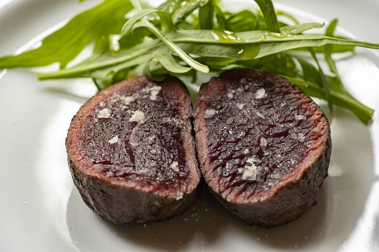 グルメ垂涎! 食通シェフたちを感動させた肉料理3選