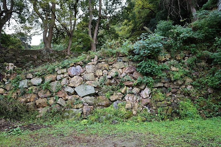 吉川広家の築造とみられる、裏中御門の石垣