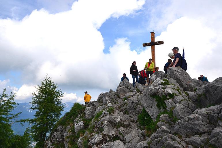 山頂の十字架