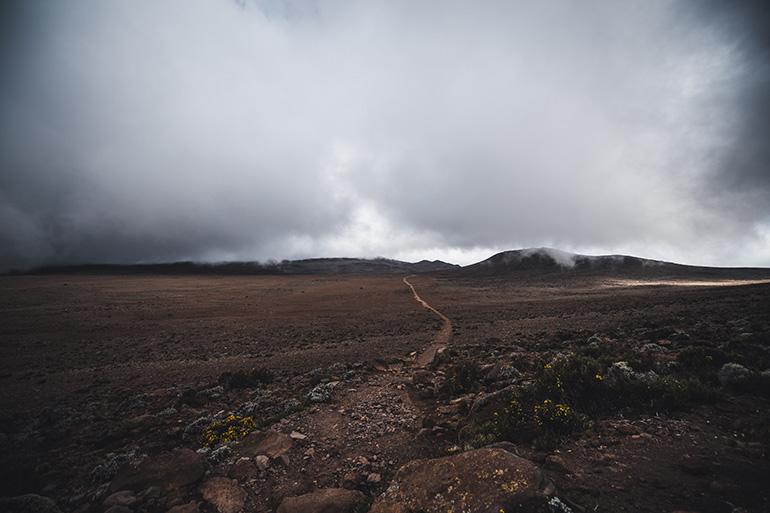 キボハットまでの殺風景な道のり