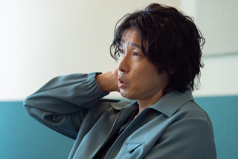 斉藤和義さん、骨太なロックの原点は栃木のおもちゃの町に(前編)