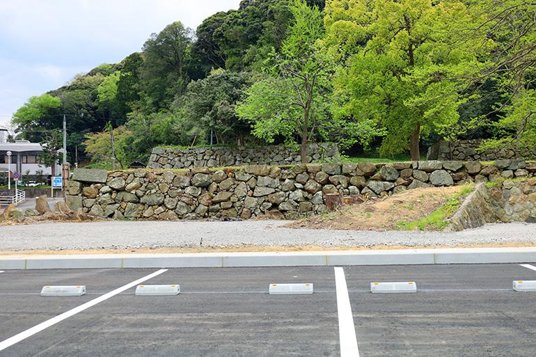 三の丸の整備により、表中御門枡形東面の石垣も見えるように
