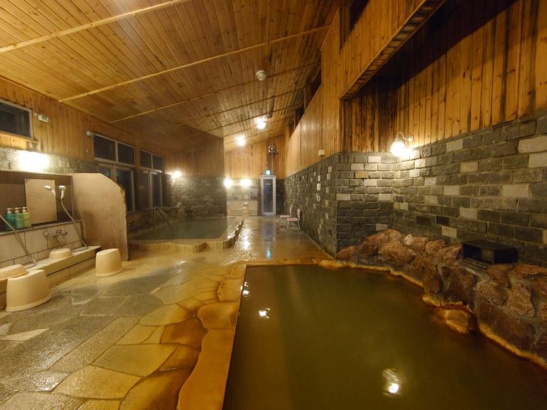 秘境、ぷくぷく湧き上がる地の恵み 北海道「然別峡 かんの温泉」