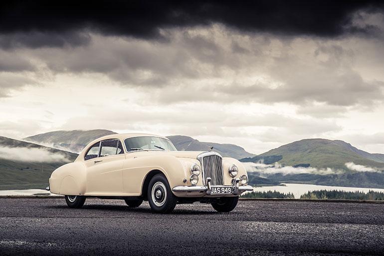 1952年に登場したときは衝撃的だったという斬新なデザイン