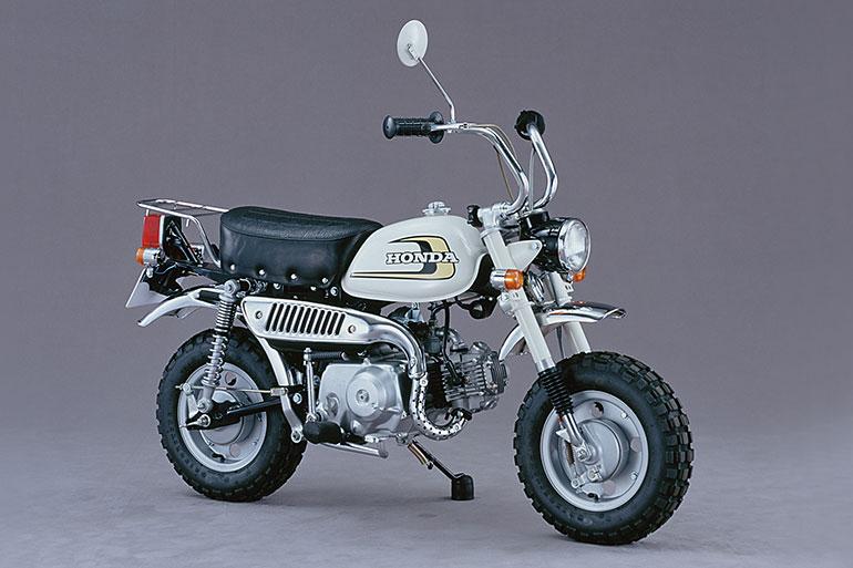 前後にサスペンションが装備され一般使用できるロードバイクへ発展した69年型