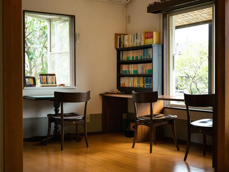 静かな空間。こちらは101号室の洋室