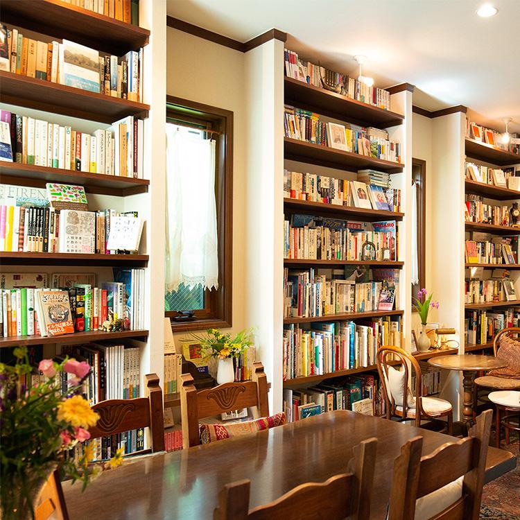 〈159〉読書家のマスターが書斎を開放 「Book Cafe Den」