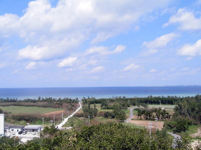 八重山遠見台からの眺め。晴れた日には石垣島も見えます