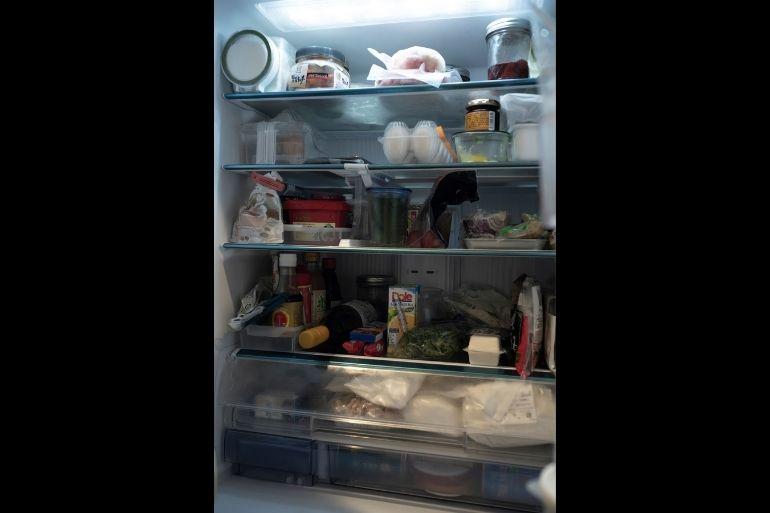 下方のチルドルームに小麦粉、グラノーラやベーグル用の粉を保存