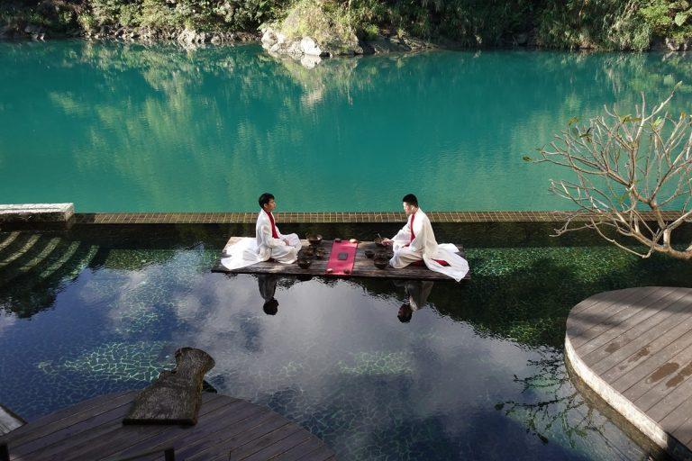 「湯どころ」台湾を思う 烏来でエメラルドの渓流に癒やされる 「ヴォランド・ ウーライ」