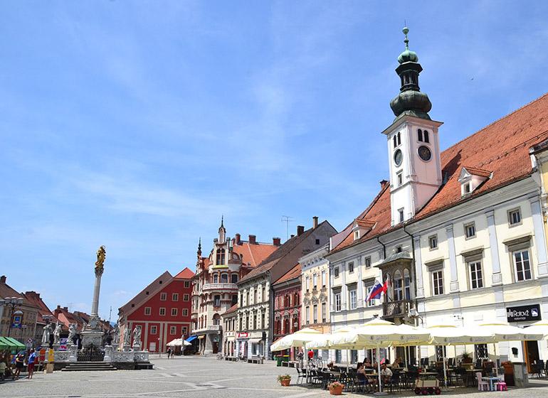 市庁舎のある中央広場