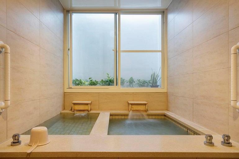 湯どころ・台湾を思う 四重渓温泉で「古きよき日本」に出会う「清泉日式温泉館」