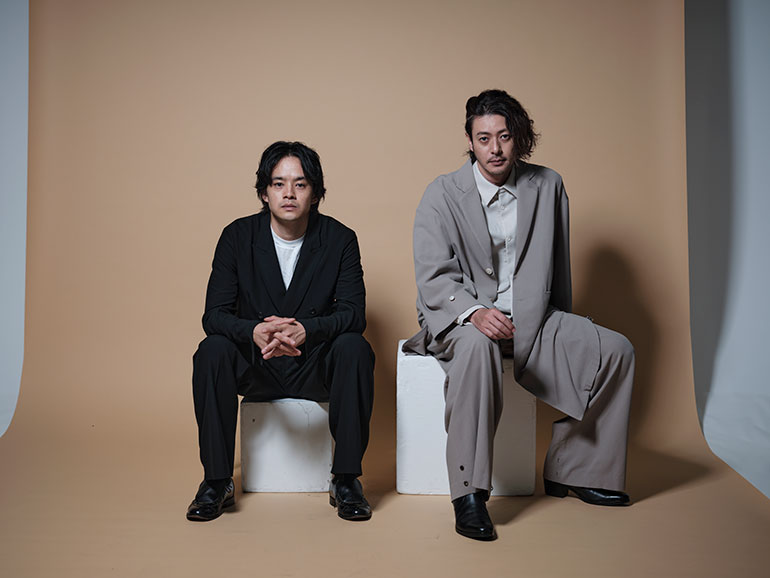 映画『アジアの天使』で共演した、池松壮亮さん(左)とオダギリジョーさん(右)