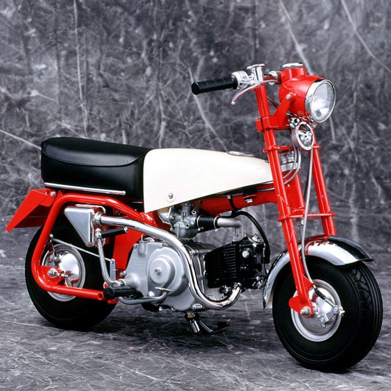 多摩テックの遊具から市販車へ クルマに積めるレジャーバイク「ホンダ・モンキー」
