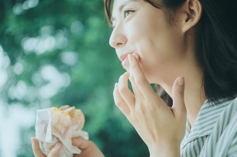初恋×ばくだん丼 甘酸っぱさとほど遠い、あの時の記憶