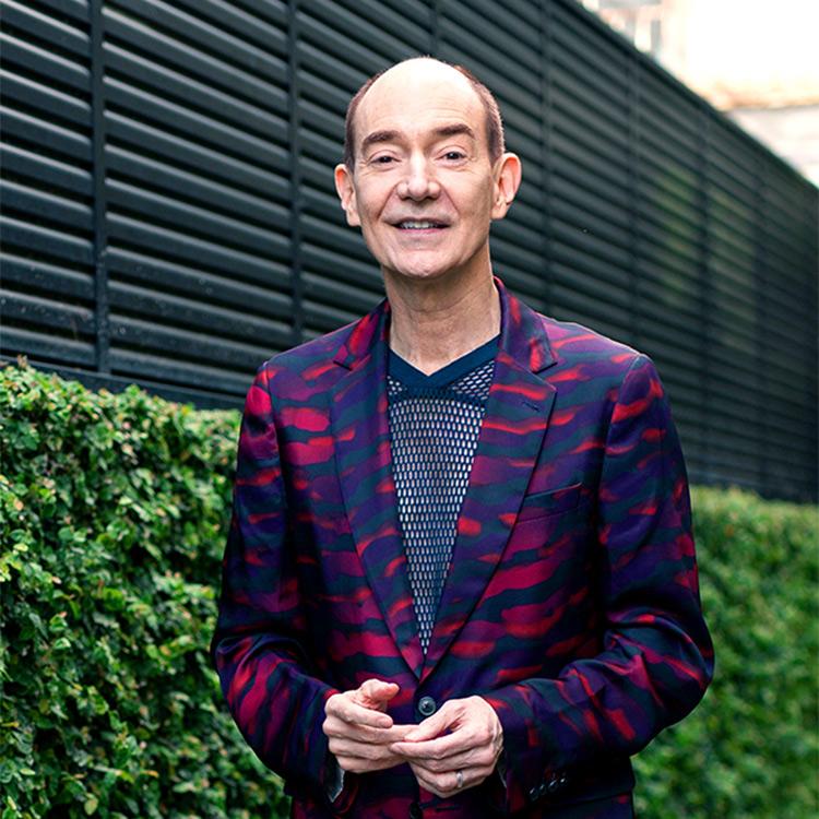 (My Style,Myself)自分のエネルギーになる装いが重要 服選び、愛と好奇心で探求してほしい 日本文学研究者、ロバート・キャンベルさん