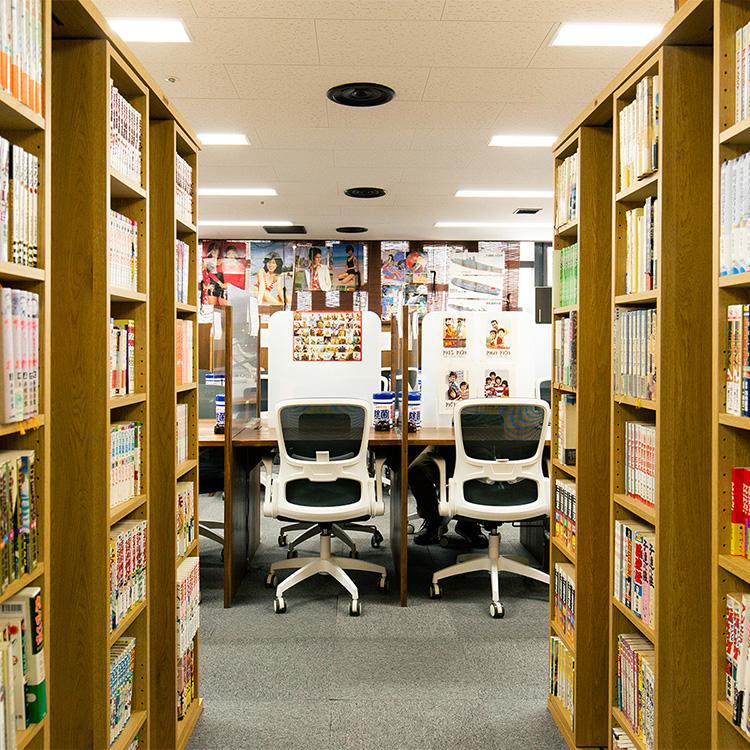 「新橋大好き!」元会社員の夢が詰まったレトロ空間 「昭和ブック カフェ」