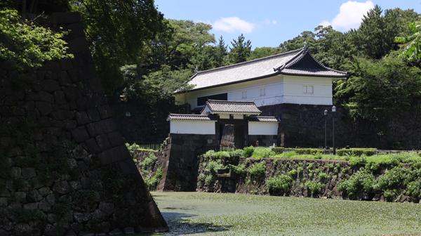 江戸城に置かれた御三卿の屋敷 「青天を衝け」の城(1)