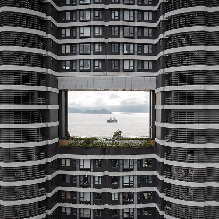ビルに風水の穴、世界最長の海上橋 香港・マカオ