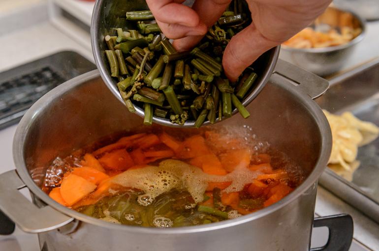 〈心で味わう郷土料理1〉ほかほかしみる懐かしさ 山形の納豆汁