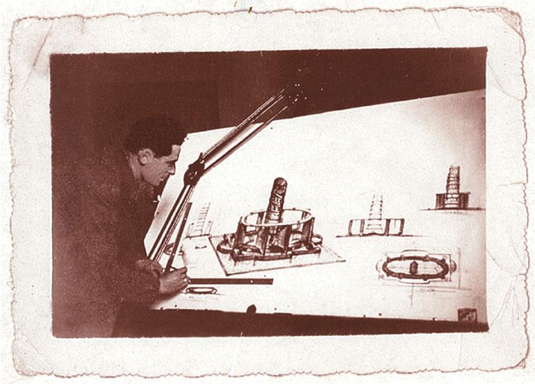 1930年代から45年まで製品デザインのほとんどを手掛けたカルロ・アレッシィ(Alessi提供)