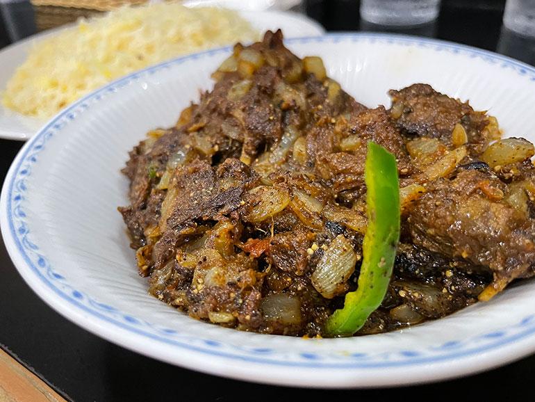 黒胡椒の利いたシェフのスペシャリテ「マトンペッパーマサラ」
