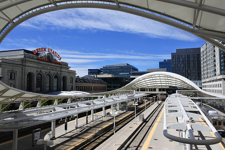 空港から7駅、約35分で直結しているユニオン駅