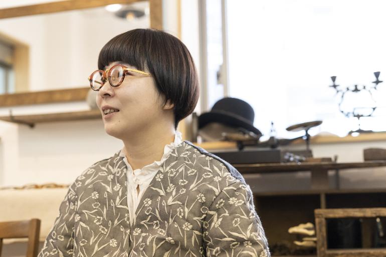 共に組織は苦手、でも一緒に働く姿が見えた 眼鏡作家、家族として生きる二人 kikiki optique(キキキオプティーク)