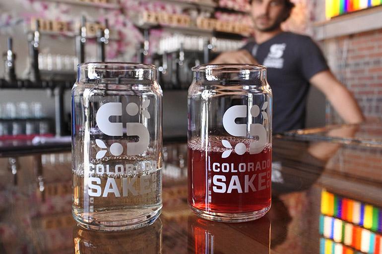 日本酒は、店舗に隣接したオフィスで醸造しています