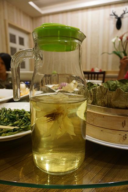 ハスの花茶は台湾の夏に欠かせないお茶