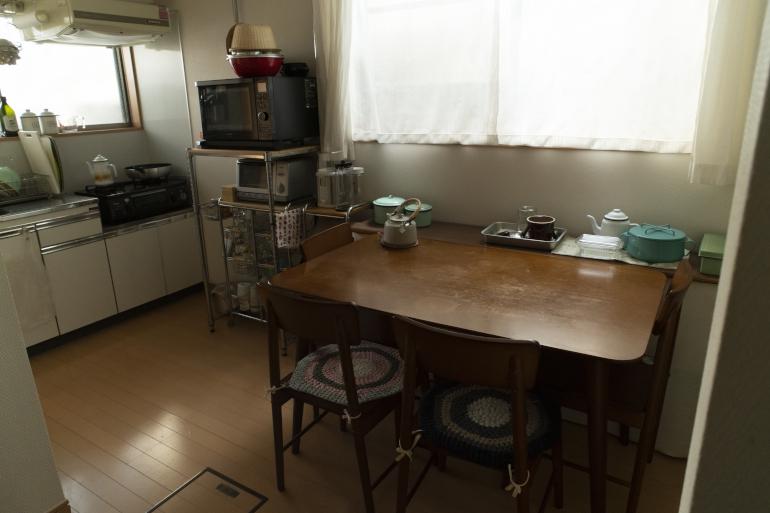 台所が家の中心にある間取りに惹(ひ)かれ入居