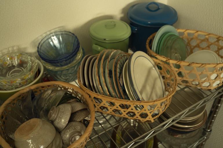 焼き物が好き。母が昔趣味で作っていたものや旅先の蚤の市で買ったものが多い