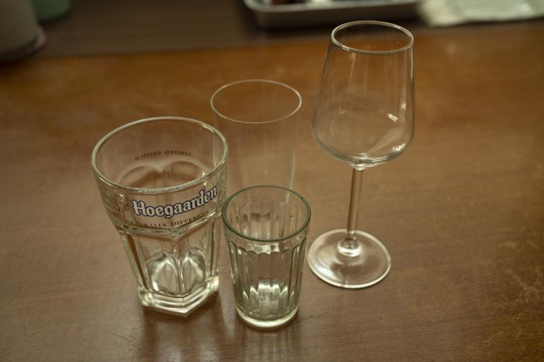 夫婦でよく使うグラス。その日の気分で選ぶ。ワイングラスはかっぱ橋で300円