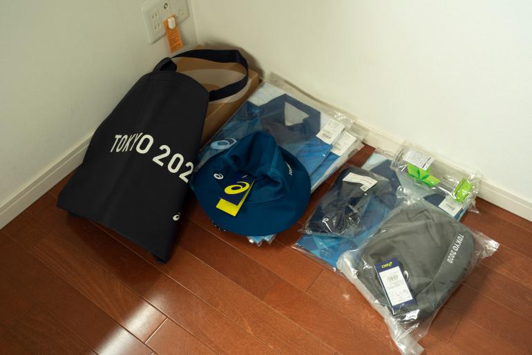 次男の私物。オリンピックボランティアで着用予定のユニホーム
